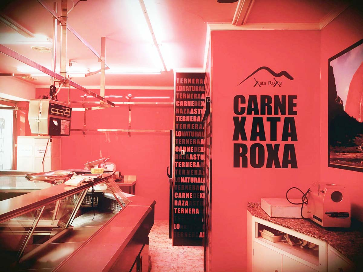 Decoración interior carnicería Xata Roxa Avilés nuevo 1