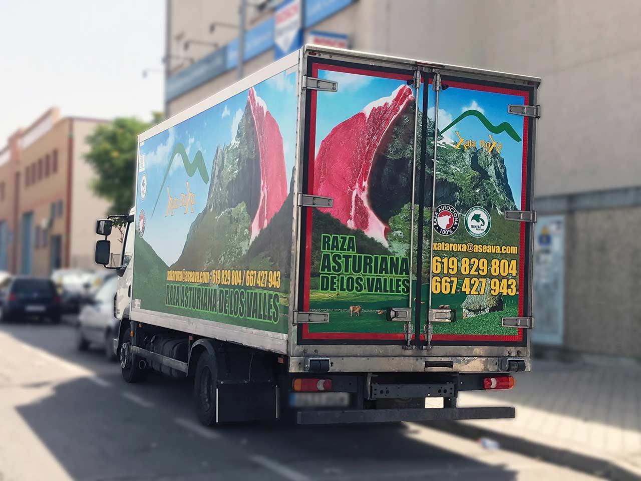 Rotulación de camiones en Vallecas, Madrid